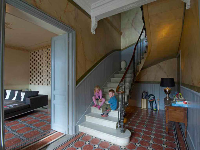 le Manoir holiday rental south of france Narbonne entrance hall